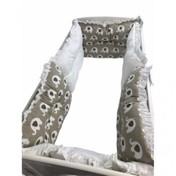 Lenjerie cu 6 aparatori pufoase si paturica imprimeu elefanți bej-alb 120\60 cm