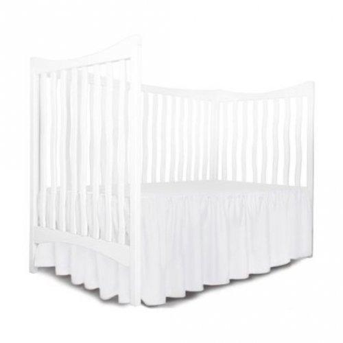 Cearsaf cu volanas pe 3 laturi si elastic pe colt, pentru saltea bebelusi 120x60 cm imprimeu alb